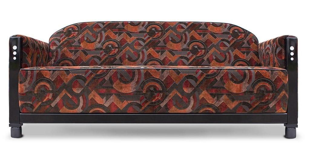 een art deco fauteuil met een geometrissche stof#geometrische stoffen#art deco bank#rooker collectie#dutch seating company