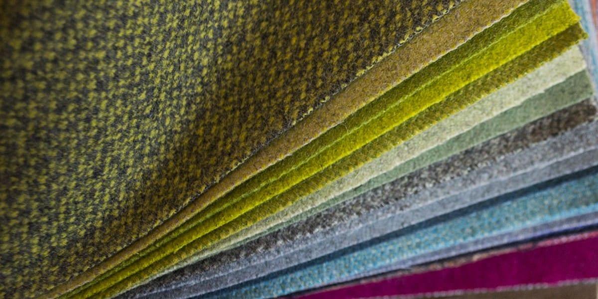 de stoffen van Kirkby hebben een prachtig palet aan kleuren en geven de dyker 30 een extra vintage look#kirkby#leaf#romo#wol#wool#vintage look#vintage design#dyker#madeinholland#maatwerk