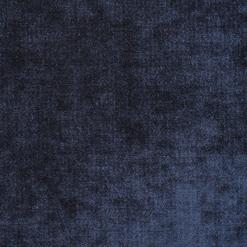 Velours van Designers Guild, Zaragoza midnight in een donkerblauwe kleur