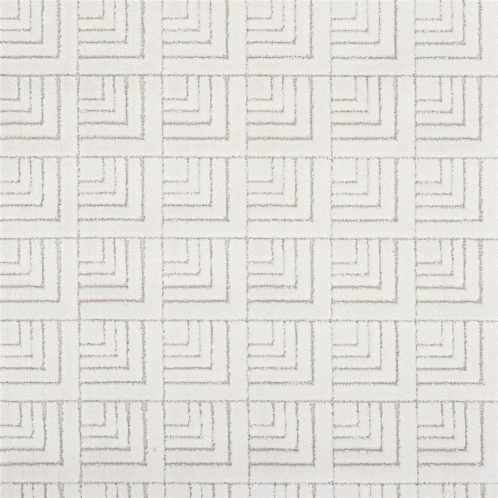 een fluweel zachte stof van designers guild in vele kleuren verkrijgbaar#fluweel#zachte stof#designers guild#geometrische stof