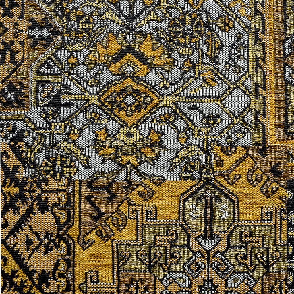 Oosterse, kleurrijke stof in een oker kleur geel, Setenta geel