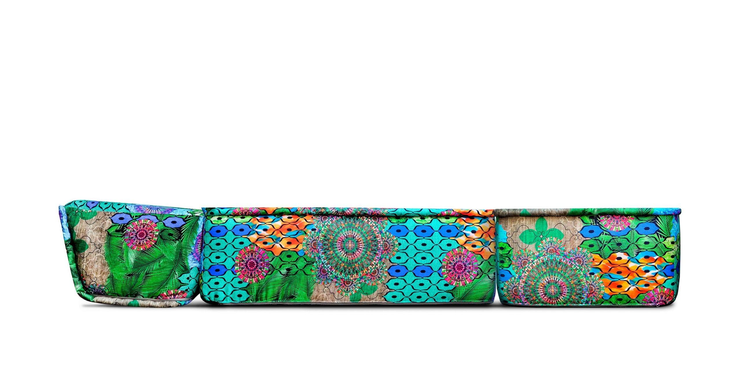 Een kleurrijke stoel/bed in de stof Jungle van Dutch Seating Company