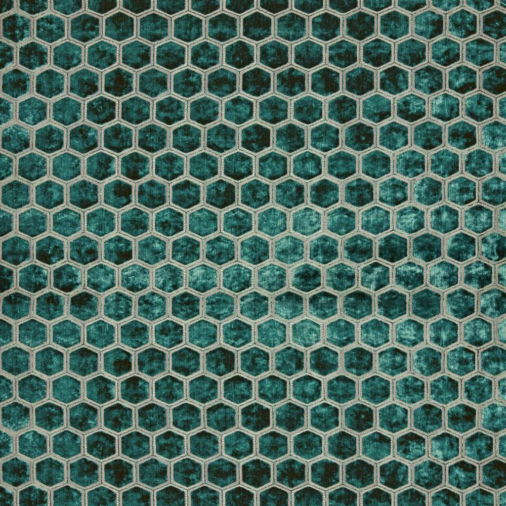 Meubelstof met fluwelen zeshoeken Manipur azure van Designers Guild