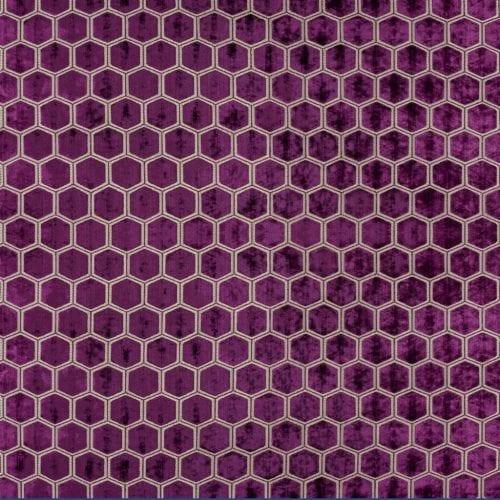 Meubelstof met fluwelen zeshoeken Manipur damson van Designers Guild