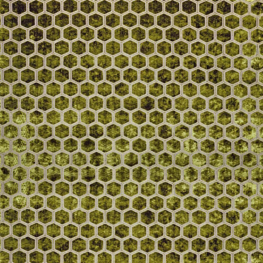 Meubelstof met fluwelen zeshoeken Manipur moss van Designers Guild