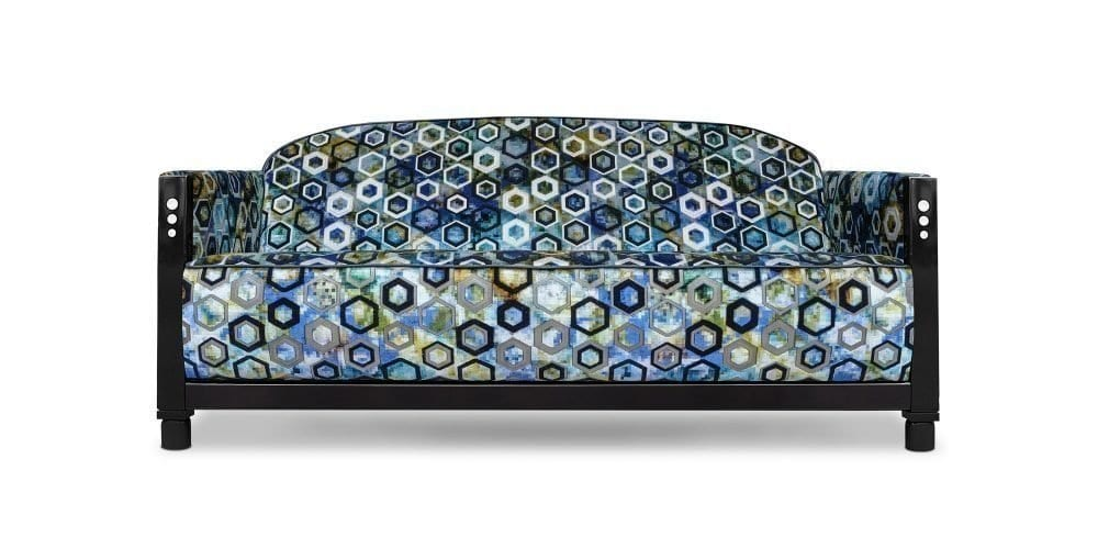 De art deco Rooker 03 in de stof Sukhna cobalt van Designers Guild