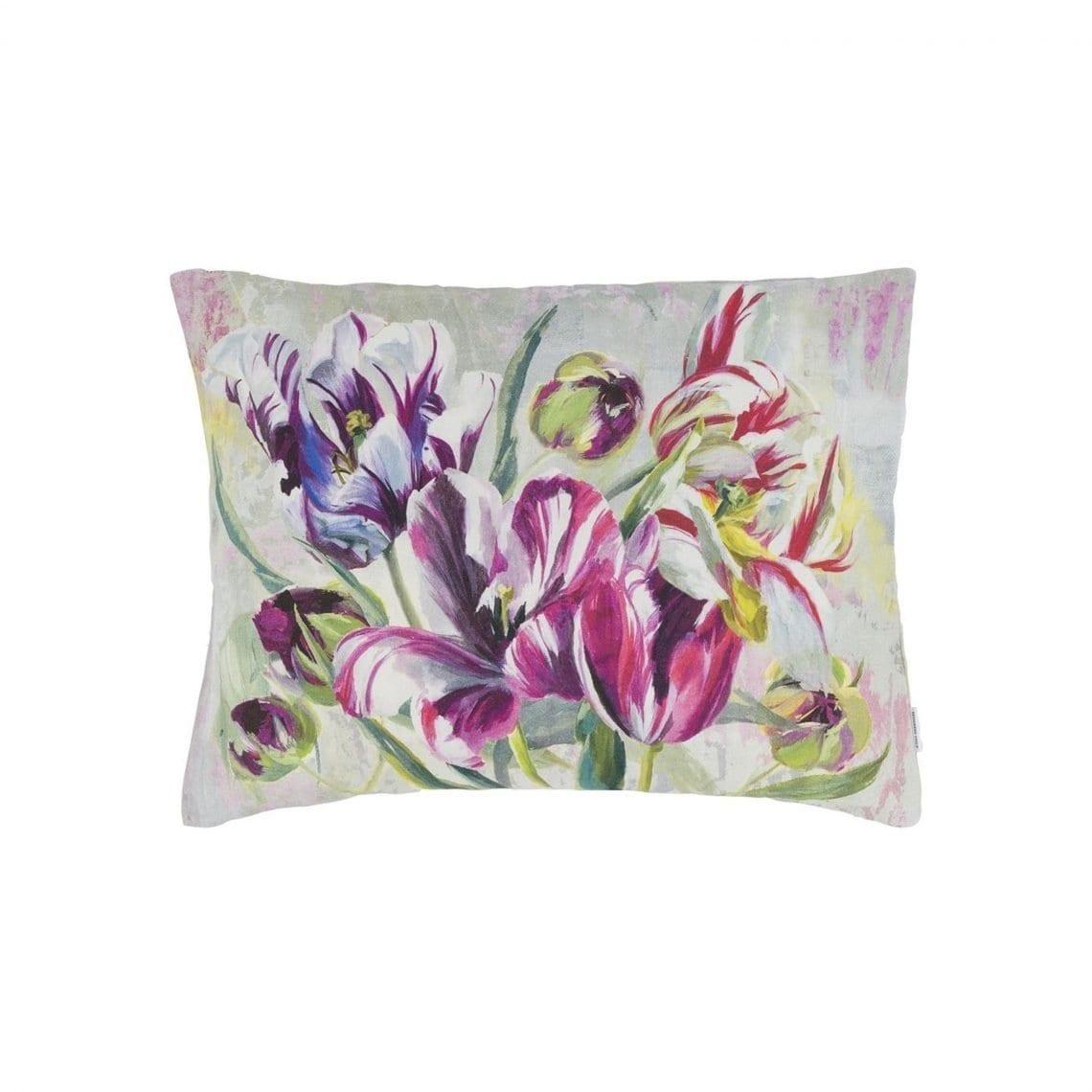 Schilderachtig kussen met tulpen, Tulipa Stellata van Designers Guild