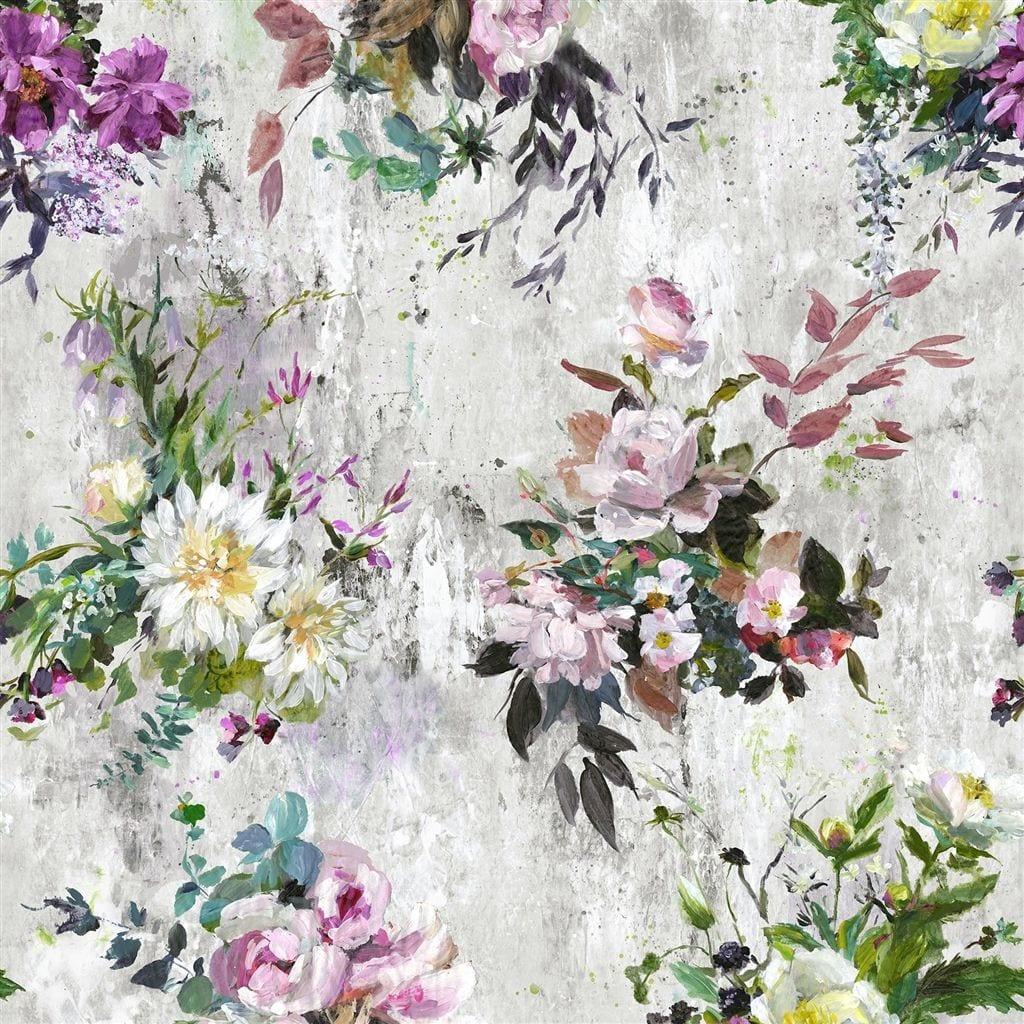 Een prachtig bloemrijk behang van Designers Guild, Aubriet amthyst