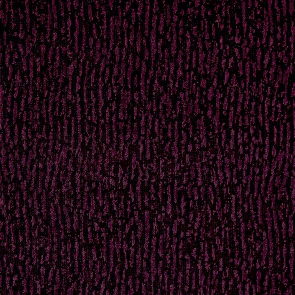 Bourlet cassis is een verfijnde, fluwelen stof van Designers Guild
