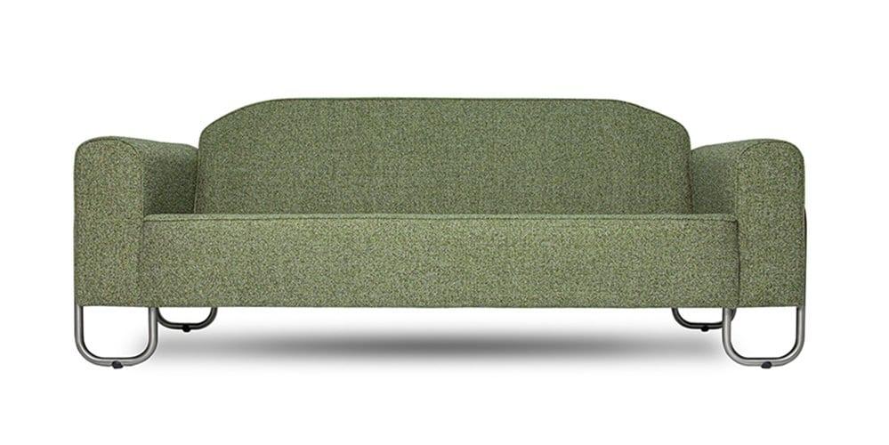 een ruime chroombuis bank met een groene easy clean stof