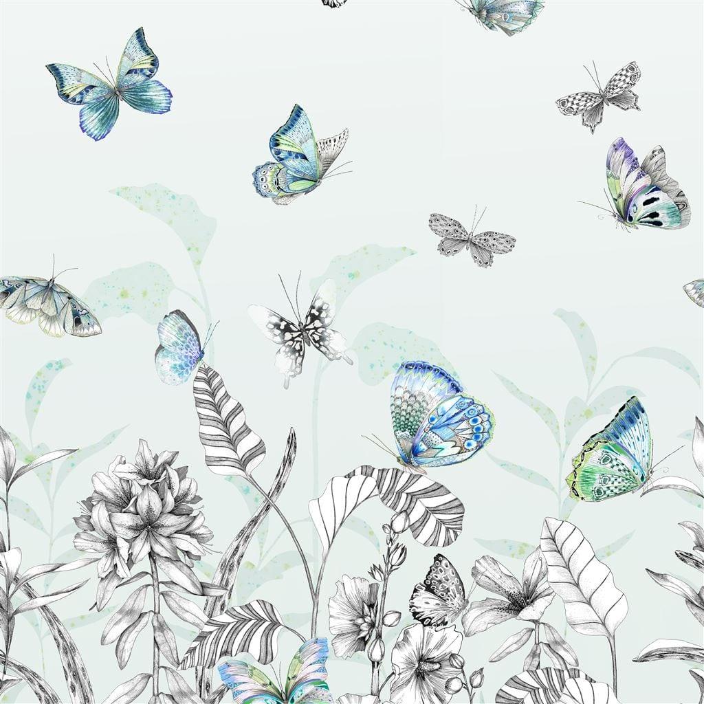 Papillons eau de nil is een prachtig behang met vlinders van Designers Guild.