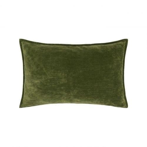 Glanzend fluwelen kussen Rivoli moss van Designers Guild