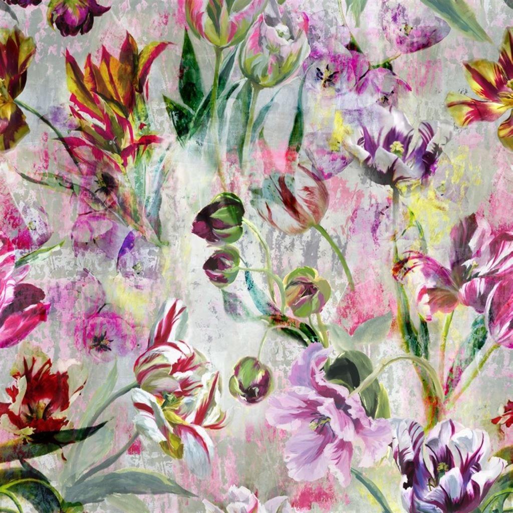 Tulipa stellata een prachtig behang met gekleurde tulpen, van Designers Guild