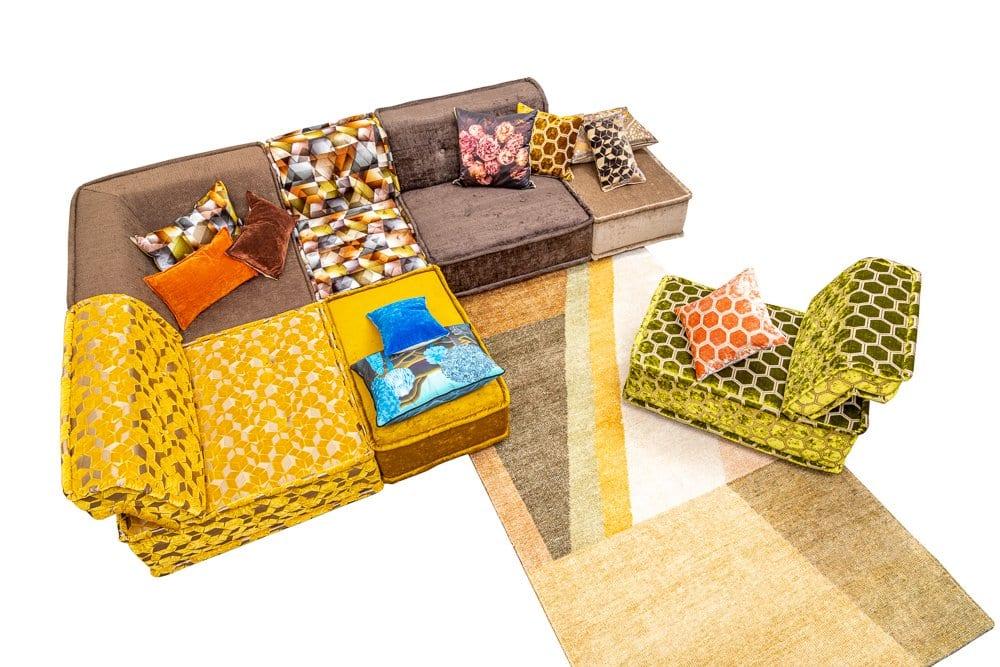 de kleurrijke zitbank, zithoek met pootjes