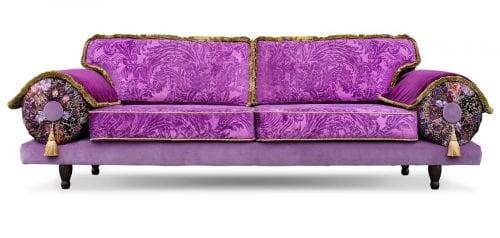 paarse bank met stoffen van designers guild