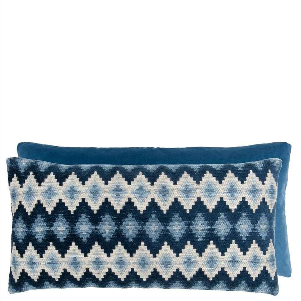 perzina is een prachtig blauw kussen van william yeoward
