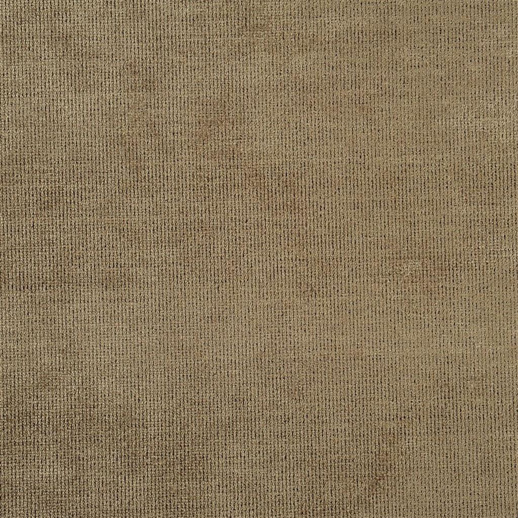 Een prachtige velvet easy clean stof van Designers Guild, Tarazona driftwood